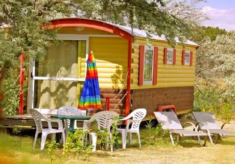 Camping Soleil d'Oc - Locatif Roulotte insolite